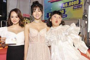 Kaity Nguyễn rạng rỡ mừng bạn thân Kiều Trinh, Trang Hí ra mắt phim mới