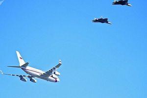 Xem đội hình tiêm kích Su-57 bám sát, hộ tống chuyên cơ của Tổng thống Nga Putin