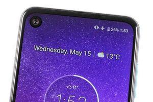 Motorola ra mắt smartphone màn hình đục lỗ, chip Exynos 9609, giá gần 12 triệu
