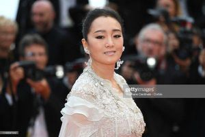 Thảm đỏ 'Cannes 2019' ngày 1: Củng Lợi kém sắc, Chompoo Araya thần thái cùng Jessica sang chảnh