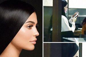Không photoshop, nhan sắc thật của Kylie Jenner có khiến bạn thất vọng?