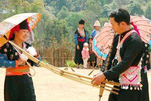 Khám phá sắc màu văn hóa dân tộc Mông ngay tại Hà Nội