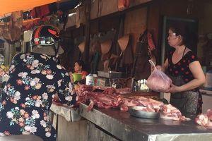 Thịt heo có nguy cơ khan hiếm, giá biến động mạnh
