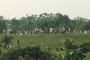 Hà Nội: Kinh hãi phát hiện người đàn ông tử vong ở bờ đê