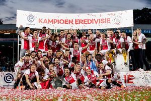 Ajax hoàn tất cú đúp danh hiệu quốc nội