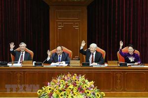 Thông cáo ngày làm việc đầu tiên của hội nghị Trung ương 10