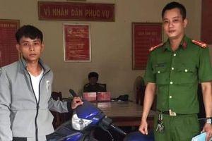 Thanh niên Quảng Trị 'bật khóc' khi được công an gọi lên trả xe máy