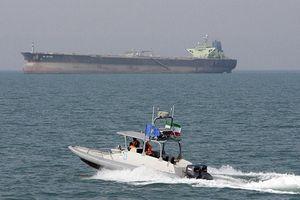 Hé lộ nguyên nhân khiến Mỹ 'rầm rập' triển khai tàu chiến, máy bay gần Iran