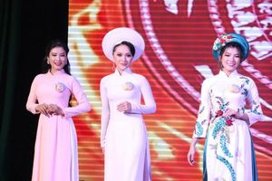 20 nữ sinh đọ sắc tại Chung kết Hoa khôi Đại học Nam Cần Thơ