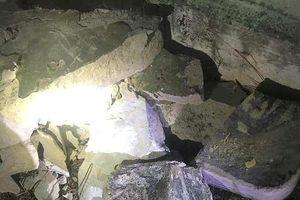 Vụ thi thể bị phi tang dưới lớp bê tông: Căn nhà từng được giăng bạt che kín