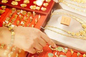 Giá vàng hôm nay 16/5: Vàng ta, vàng 9999 giảm nhẹ, ngược chiều giá vàng thế giới