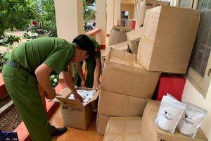 Đắk Lắk: Phát hiện xe vận chuyển trên 2.000 gói mỹ phẩm trắng da không rõ nguồn gốc