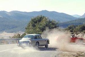 Phiên bản xe Aston Martin huyền thoại trong phim 007 xuất hiện ngoài đời thực