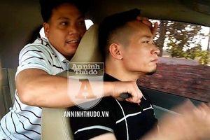 Kỹ năng tự vệ cho lái xe taxi khi bị cướp kề dao vào cổ
