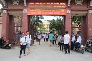 Trường THPT Huỳnh Thúc Kháng và Hoàng Mai tỷ lệ 'chọi' cao nhất