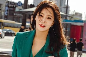 Vẻ đẹp đỉnh cao ở tuổi 42 khiến Kim Hee Sun được ca ngợi là 'quốc bảo nhan sắc'