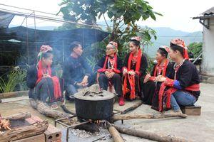 Độc đáo lối hát đối của người Dao dưới chân núi Yên Tử