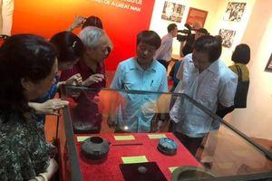 Chiêm ngưỡng nhiều hiện vật quý tại Trưng bày chuyên đề 'Hồ Chí Minh – Chân dung một con người'