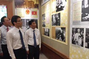 Khai trương Phòng trưng bày bổ sung 'Một số hoạt động của Chủ tịch Hồ Chí Minh tại Khu Phủ Chủ tịch'