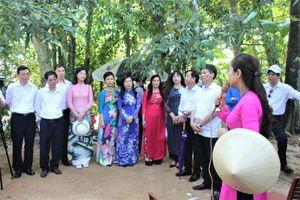 Đảng ủy Khối các cơ quan TP Hà Nội tổ chức nhiều hoạt động trên quê hương Bác