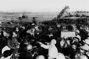 Chủ tịch Hồ Chí Minh - tấm gương quên mình đấu tranh giành độc lập