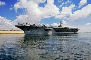 Iran đặt tàu Mỹ trong tầm bắn
