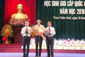 Thừa Thiên - Huế: Tuyên dương và phát thưởng HS đạt kết quả cao trong các kỳ thi HS giỏi