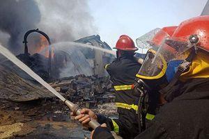 Cháy lớn tại Hải Phòng, hàng trăm chiến sĩ căng mình dập lửa