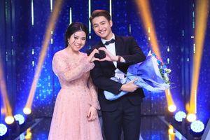 Chàng trai giới tính thứ 3 khiến Hoa hậu Hương Giang rơi nước mắt