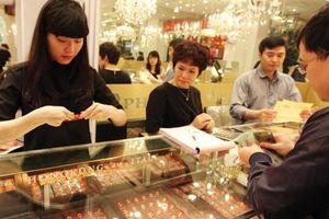 Vàng nặng áp lực giảm giá trong ngắn hạn