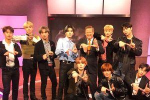 Kém duyên so sánh NCT 127 với BTS, MC chương trình 'KTLA 5 Morning News' nhận 'mưa chỉ trích' gắt gao