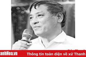 Thơ Lâm Bằng từ 'Mưa dắt ngang chiều' đến 'Từ ban công nhìn ra'