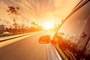 Những lưu ý khi lái ô tô mùa nắng nóng