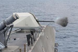 Pháo hạm Mỹ diệt gọn mục tiêu đường không