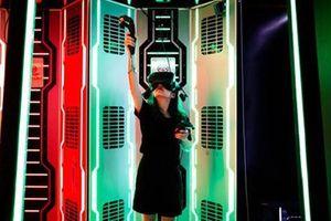 Du lịch tại chỗ qua VR