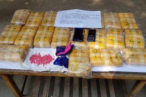 Bắt 2 đối tượng người Lào, thu 120.000 viên ma túy tổng hợp