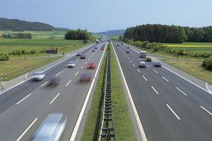 Lái xe trên đường cao tốc: 6 quy tắc 'sống còn' tài xế nào cũng phải thuộc làu
