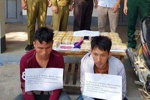 Bắt quả tang 2 đối tượng người Lào mua bán, vận chuyển 120.000 viên ma túy tổng hợp