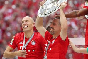 Vừa vô địch, sếp Bayern đã khiến CĐV nhà tiu nghỉu