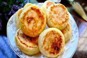Chẳng cần lò nướng vẫn làm được bánh dứa xốp mềm ngọt thơm ăn vặt mùa hè