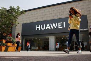 Vì sao Mỹ bất ngờ nới lỏng lệnh 'cấm cửa' Huawei?
