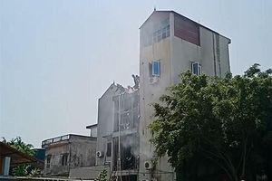 Cháy quán cà phê 5 tầng ở Hà Nội, 2 người bạn chủ quán đến chơi tử vong