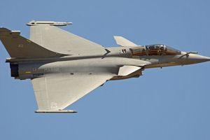 7 máy bay chiến đấu của Pháp phải hạ cánh khẩn cấp xuống Indonesia