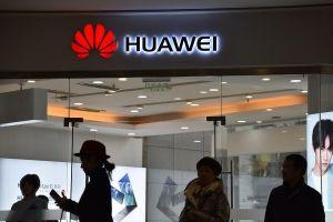 Google đình chỉ kinh doanh với Huawei