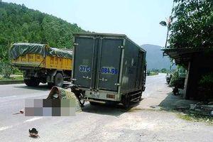Xe máy găm vào ô tô tải đang dừng, nạn nhân tử vong tại chỗ