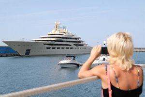 Những siêu du thuyền đắt giá của tỷ phú thế giới