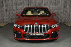 Xế sang cỡ lớn BMW 730Li chỉ dùng động cơ 'tí hon' dung tích 2.0L