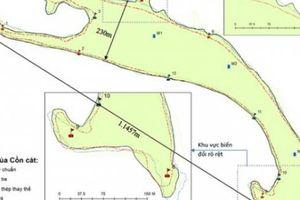 'Đảo khủng long' ở biển Cửa Đại ngày càng 'khủng' hơn