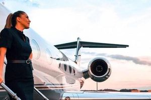 Hé lộ điều bí mật về những tiếp viên hàng không chuyên phục vụ giới nhà giàu