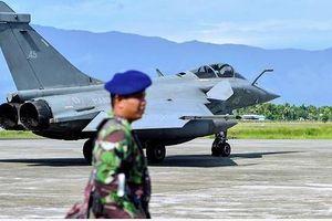Lý do dàn máy bay chiến đấu Pháp hạ cánh khẩn cấp ở Indonesia
